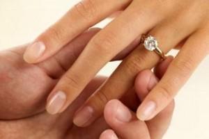 traditia-continua-13-cupluri-din-pitesti-s-au-casatorit-in-noaptea-de-anul-nou-123984
