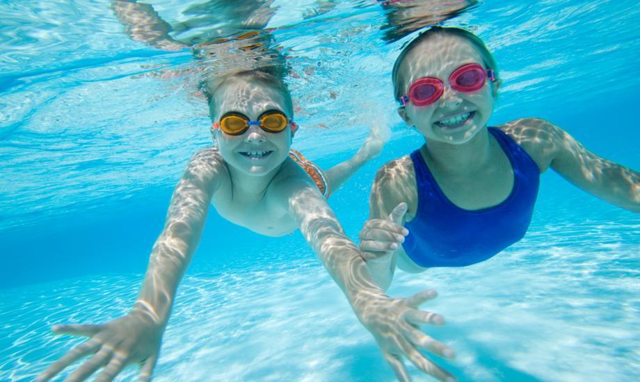 Photo of Nu ştii să înoţi? Iată câteva mişcări!