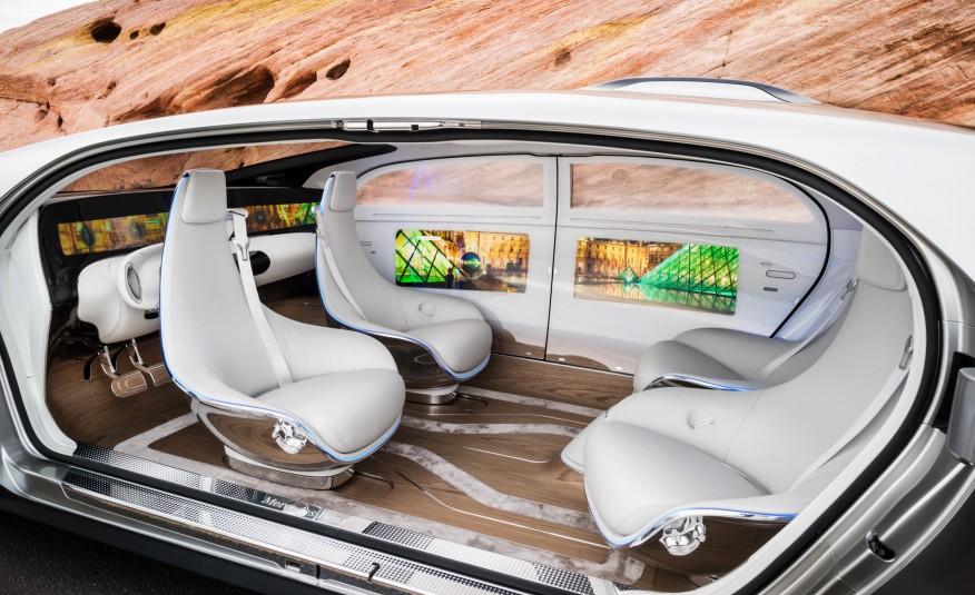 Mercedes-Benz F 015 Luxury in Motion concept  - Maşina viitorului