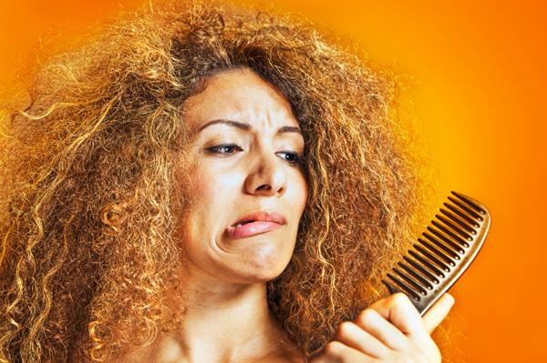 Căderea părului, o reacţie normală a schimbării anotimpurilor