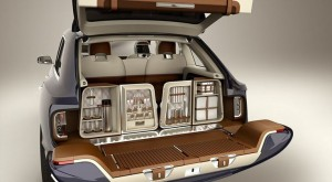 2016-bentley-bentayga-kitchen