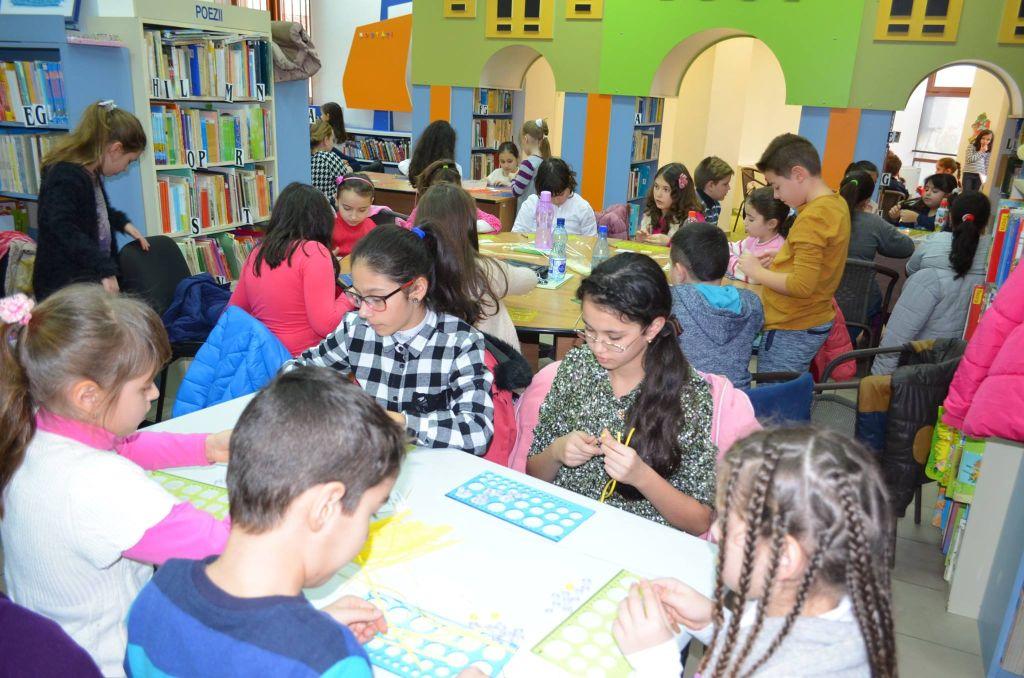 Photo of Ateliere și expozitie quilling la Biblioteca Judeteana