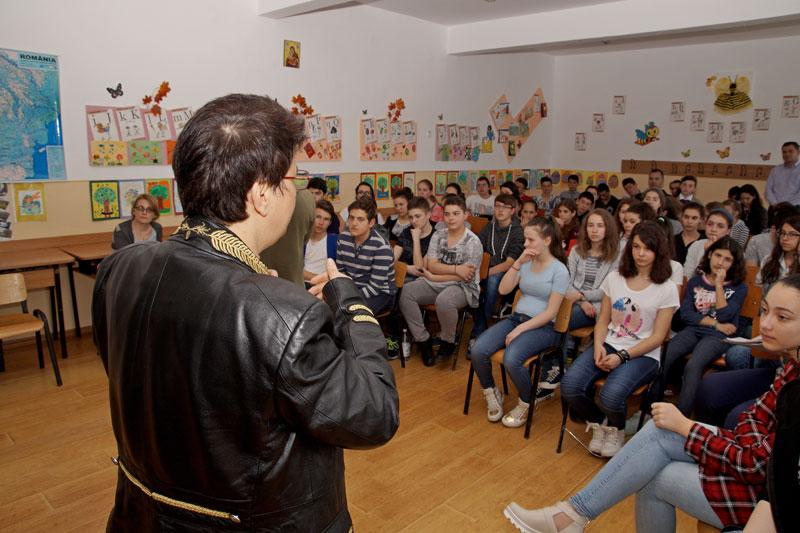"""Galerie foto de la lansarea de carte """"Copilul Dunării"""", în ediție bilingvă"""