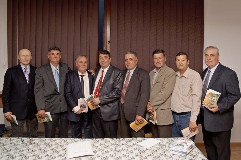 Imagini de la dubla lansare de carte a fraților Matei