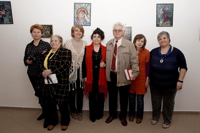Imagini de la vernisajul expoziției de icoane al d-nei Anca Ciutacu