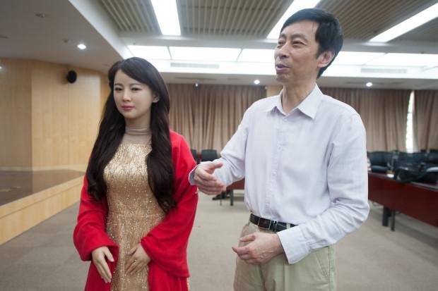 Photo of Cel mai realist și avansat robot realizat de chinezi care a uimit lumea!