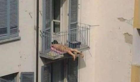 bronzat_pe_balcon