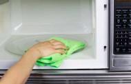 O metodă rapidă de a curăța cuptorul cu microunde!