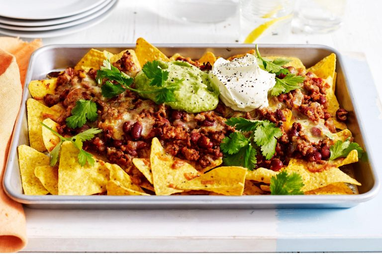 Photo of Nachos cu carne și guacamole
