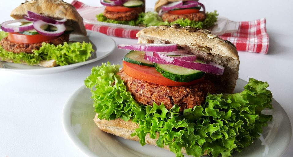 Photo of Burger cu fasole și chilli